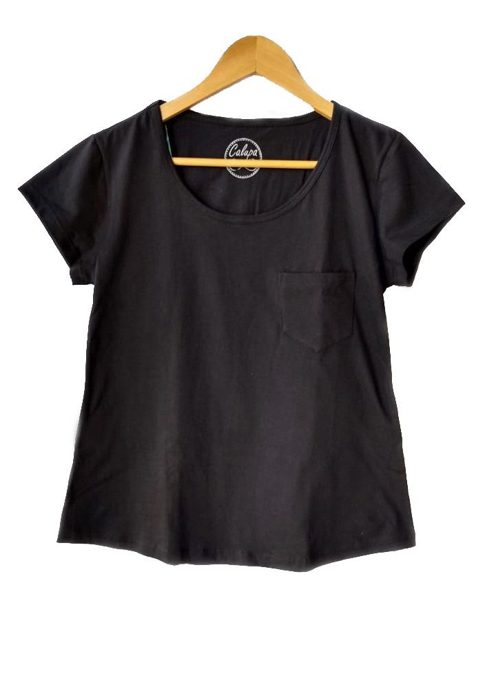 T-shirt adulta fem básica com bolso