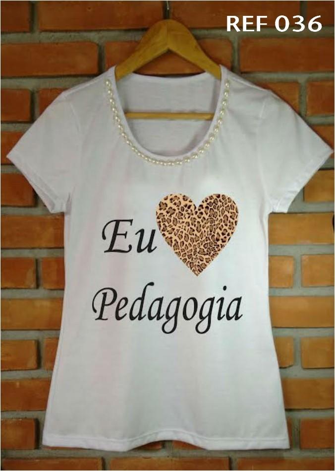 T-shirt adulta feminina bordada pedagogia