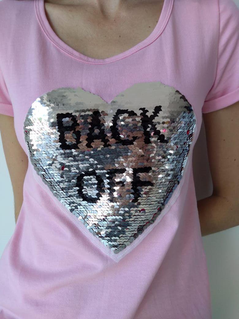 T-shirt adulta feminina coração paetê
