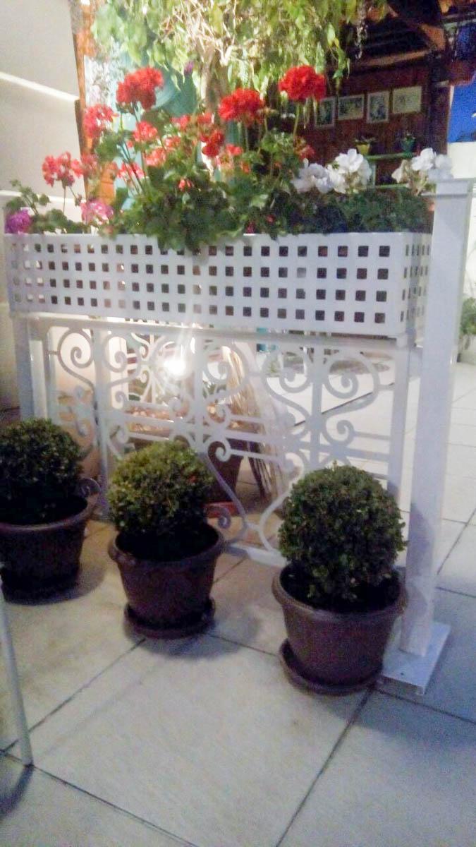 Floreira Metálica - Divisória de Ambientes - Varandas, comércio, jardins