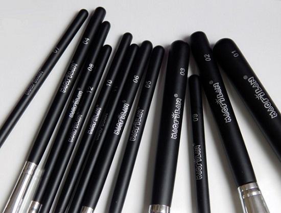 Kit com 12 pincéis profissionais para maquiagem KP1-2D