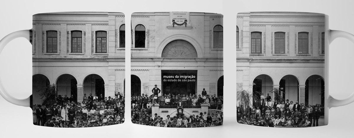 """Caneca """"FACHADA DO MUSEU DA IMIGRAÇÃO"""" - 330ml"""