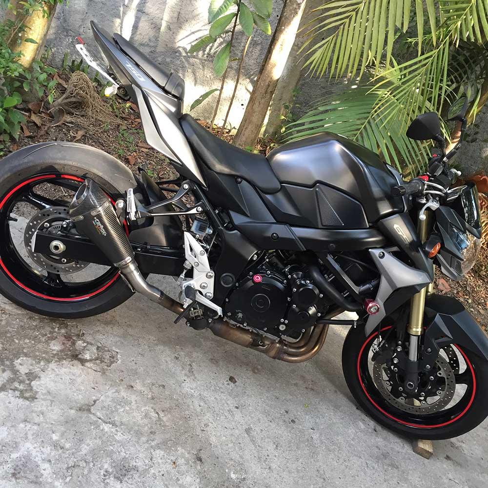 Ponteira Esportiva H7 Carbon p/ Suzuki GSR 750