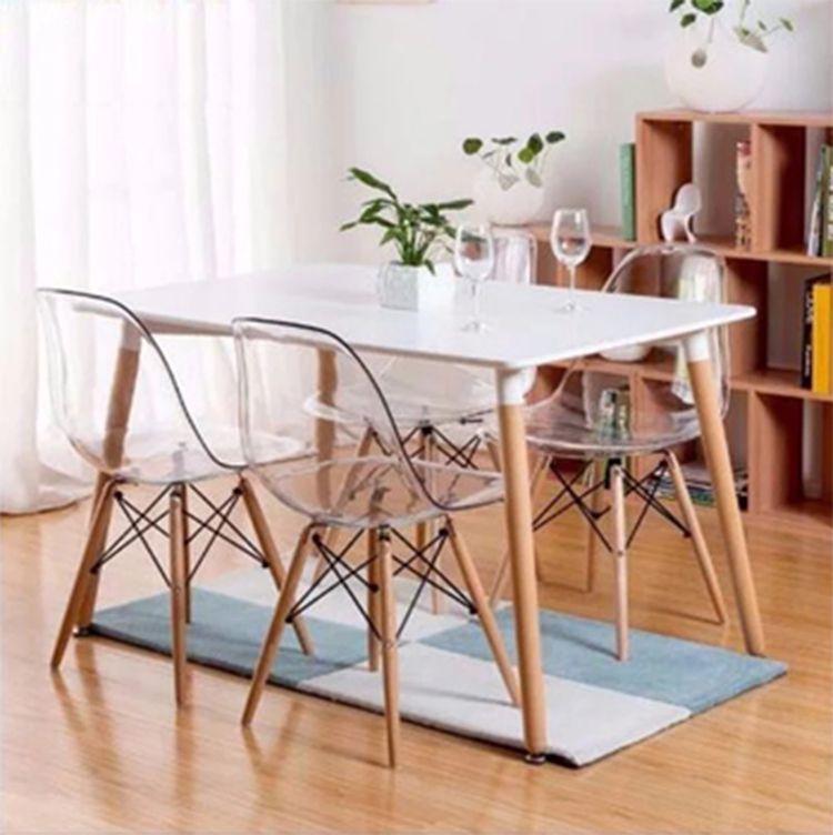 Cadeira Charles Eames Transparente