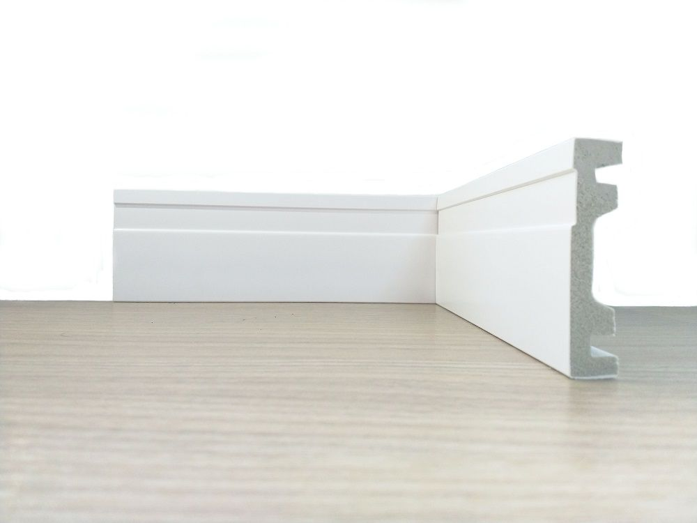 Rodapé de Poliestireno Frisado 7 cm barra de 2,4 m