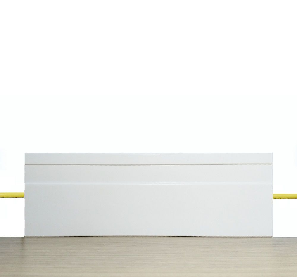 Rodapé de Poliestireno Frisado 10 cm Barra de 2,4 m