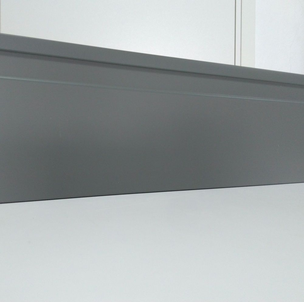 Rodapé de Poliestireno Frisado 10 cm Cinza Barra de 2,4 m