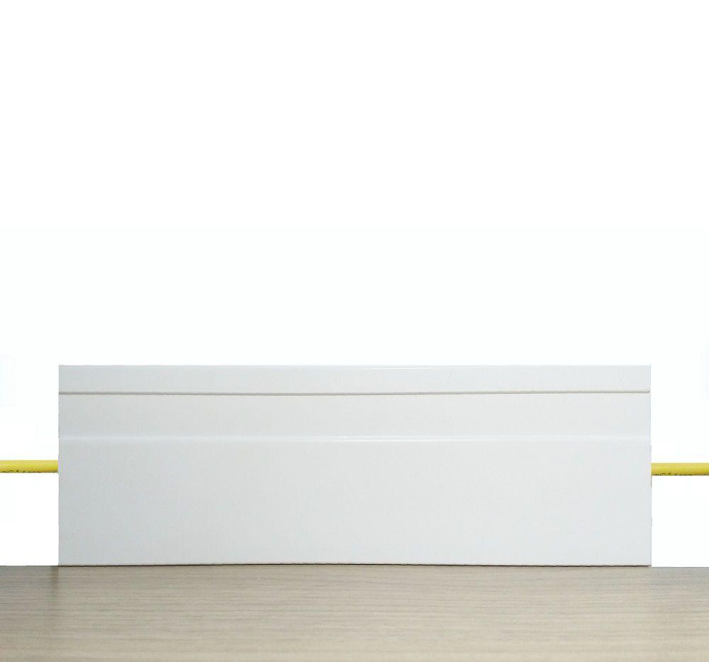Rodapé de Poliestireno Frisado 12 cm Barra de 2,4 m