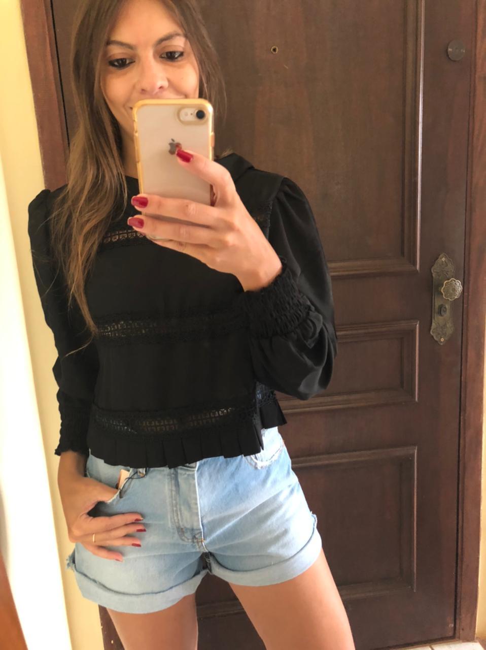 Camisa Manga Longa Preta com Detalhes em Gripir e Lastex