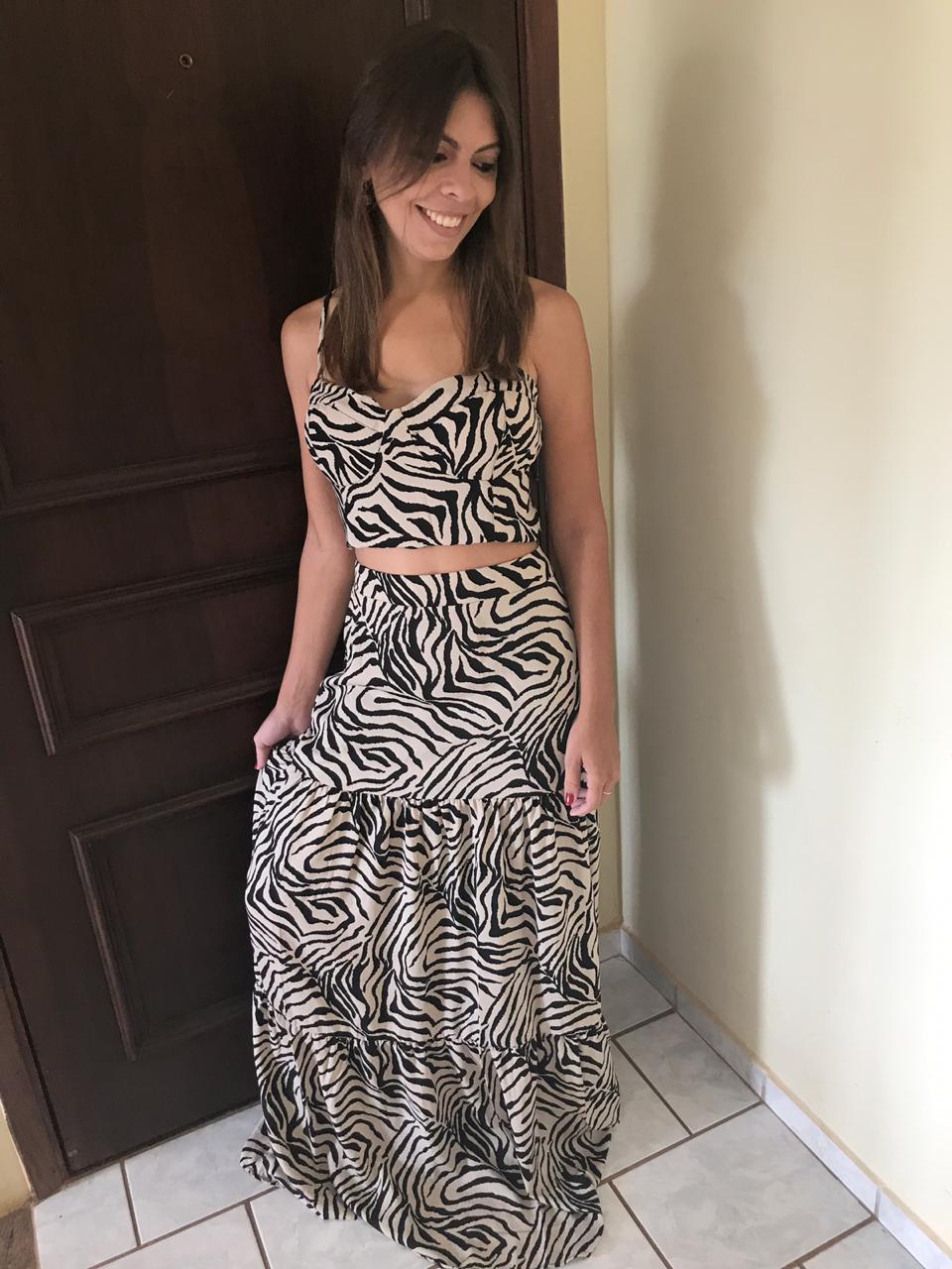Conjunto de Cropped + Saia Longa com Estampa de Zebra