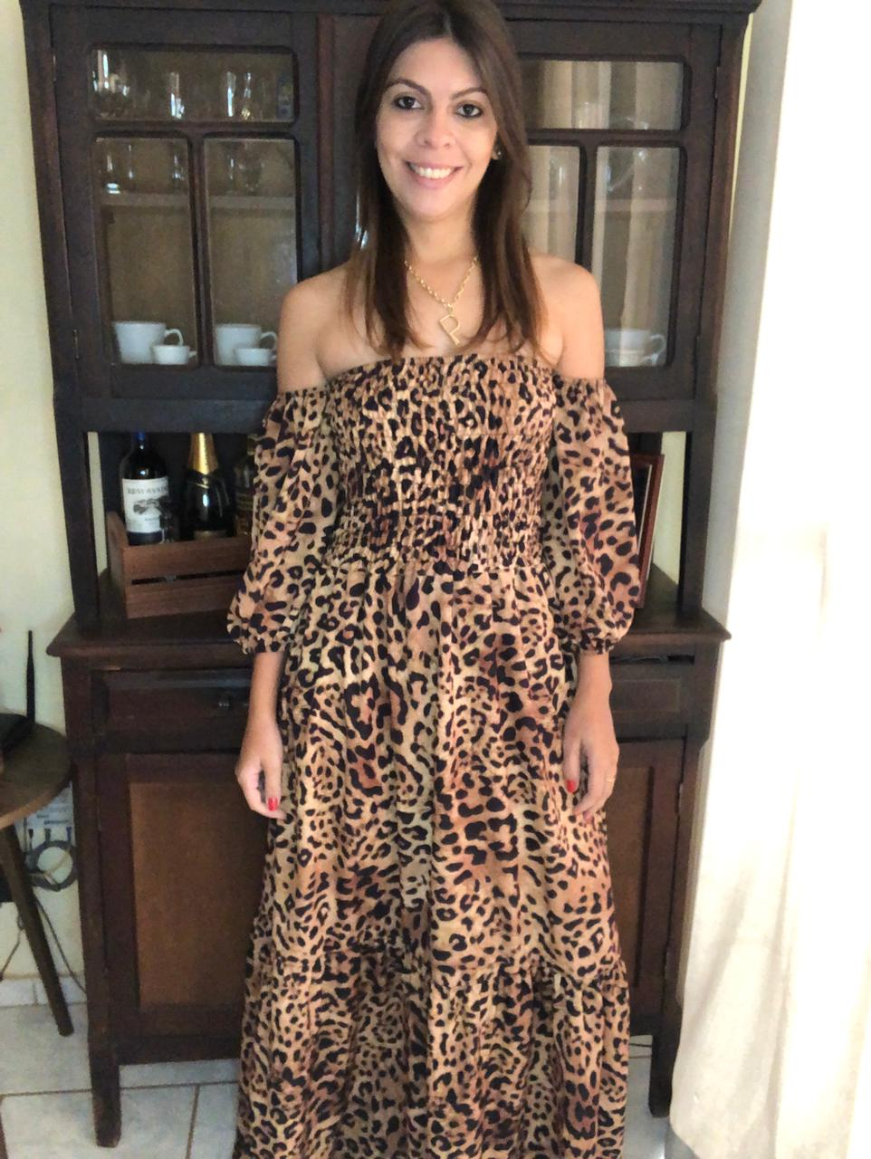 Vestido Longo Manga Curta com Lastex e Estampa Animal Print