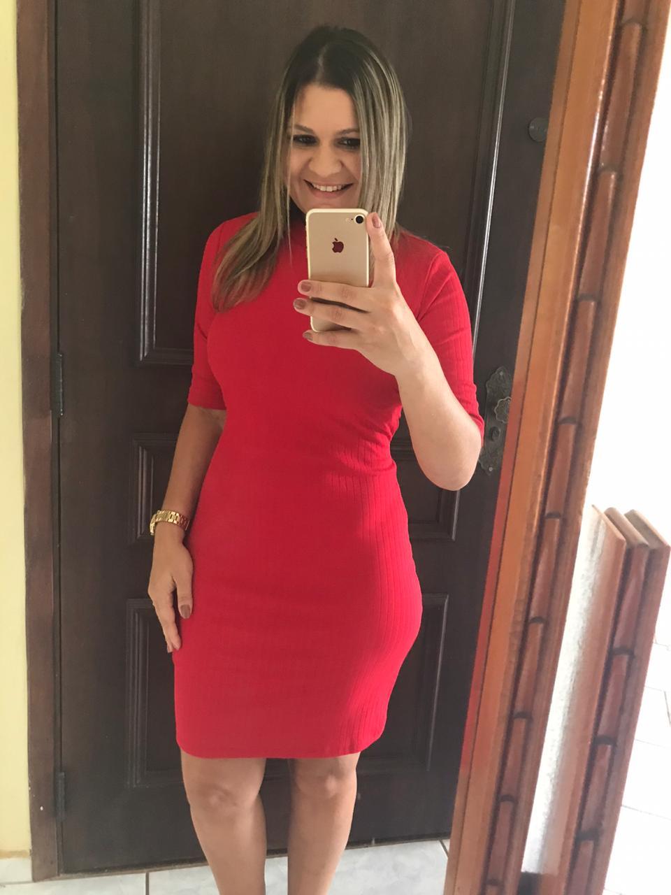 Vestido Manga Curta Vermelho com Decote nas Costas