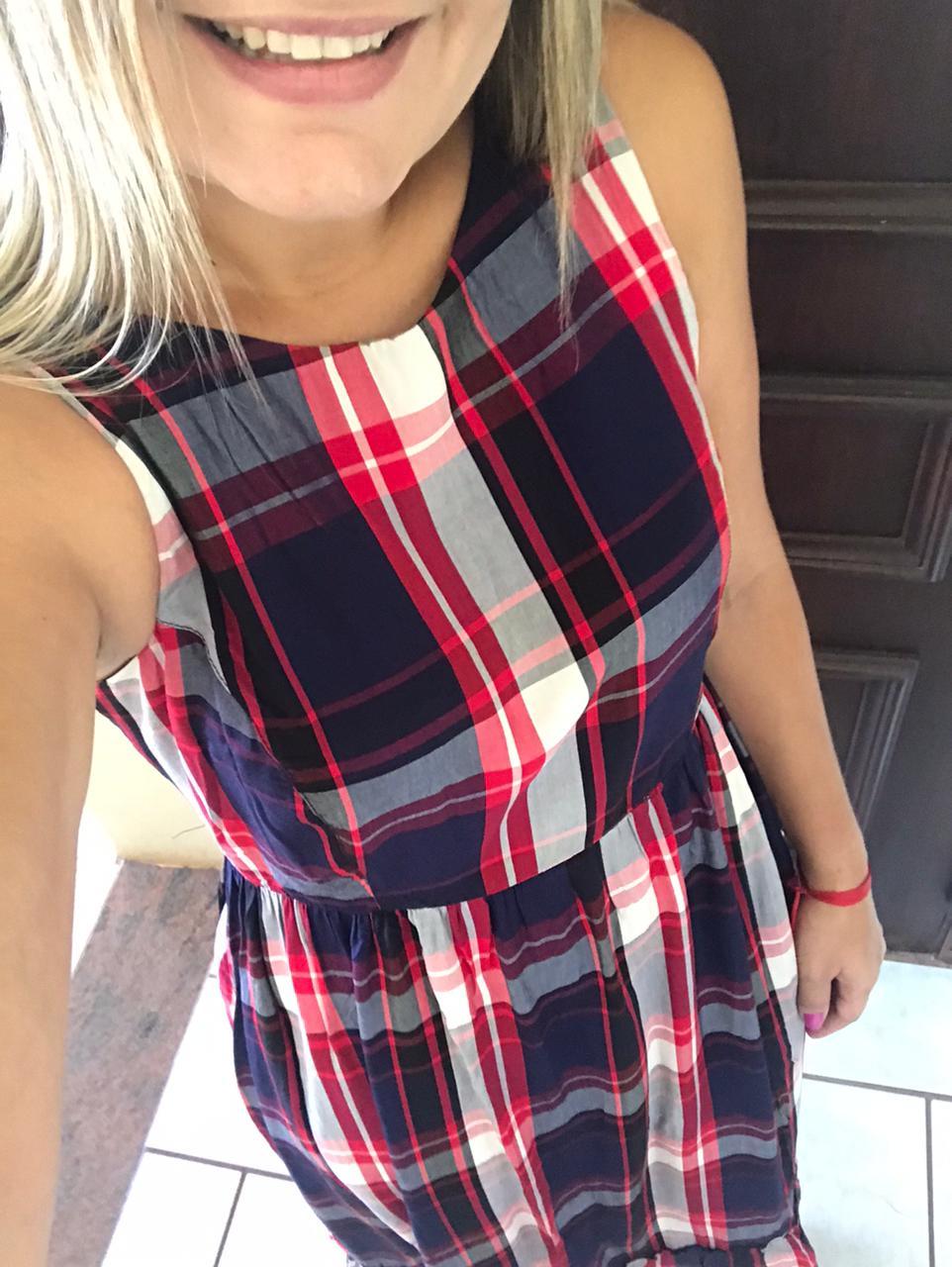 Vestido Regata Midi com Estampa Xadrez de Vermelho e Azul