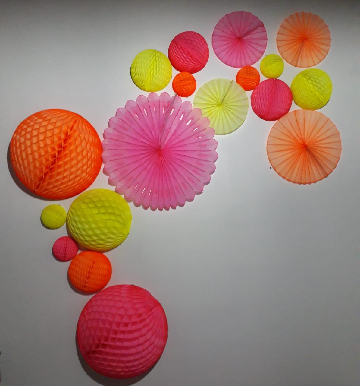Balão GLOBO Bola de Papel de seda Cor ROSA Fluorescente (brilha na luz negra) GiroToy Enfeites