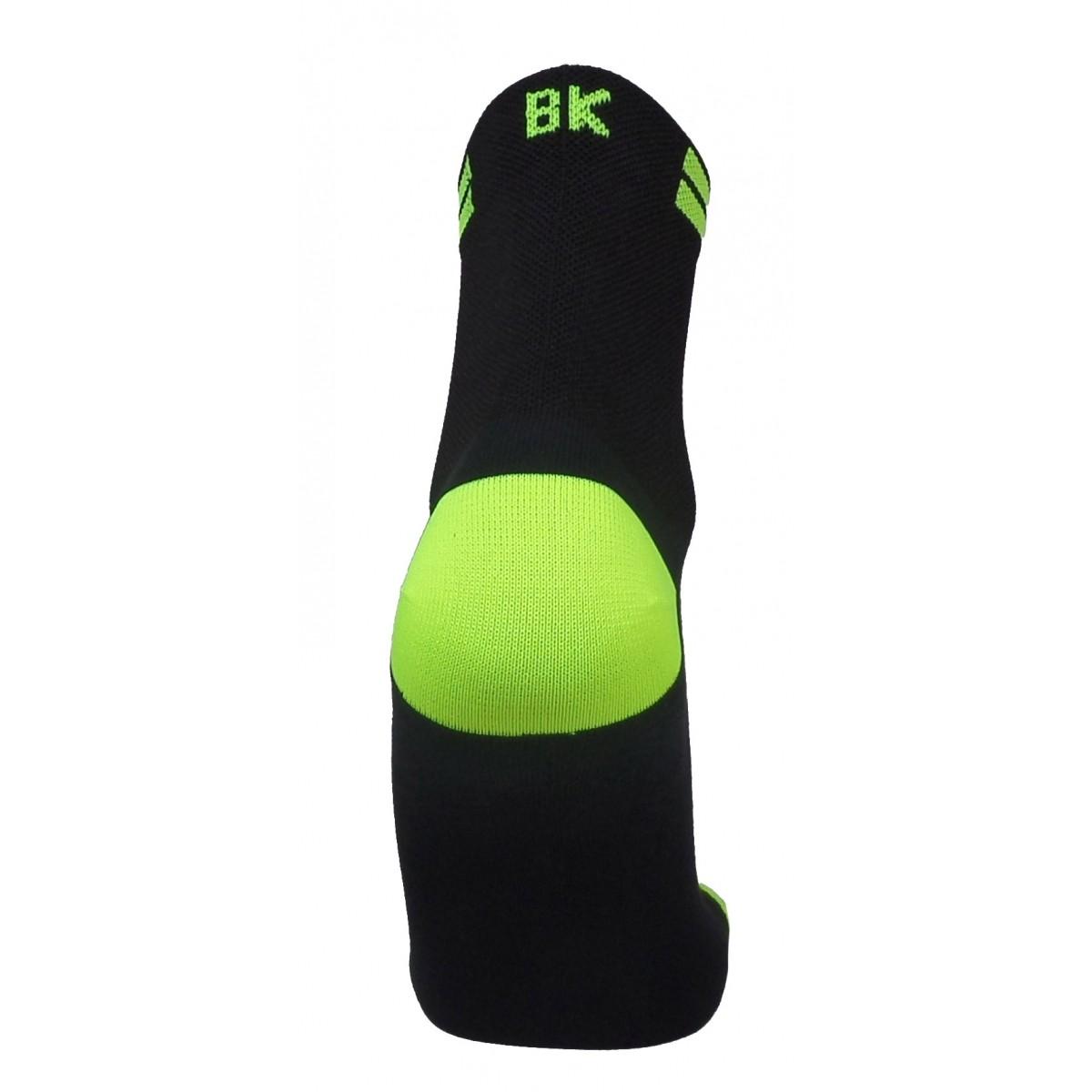 Par de meia de ciclismo cano médio BK -  Preto com Amarelo Neon