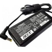Fonte para Notebook Acer 19V/3.42A Plug. 5.5×1.7mm (479) Bivolt