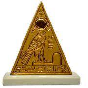 Réplica Museu Egípcio de Curitiba - Piramidion com Rá-Horakhti