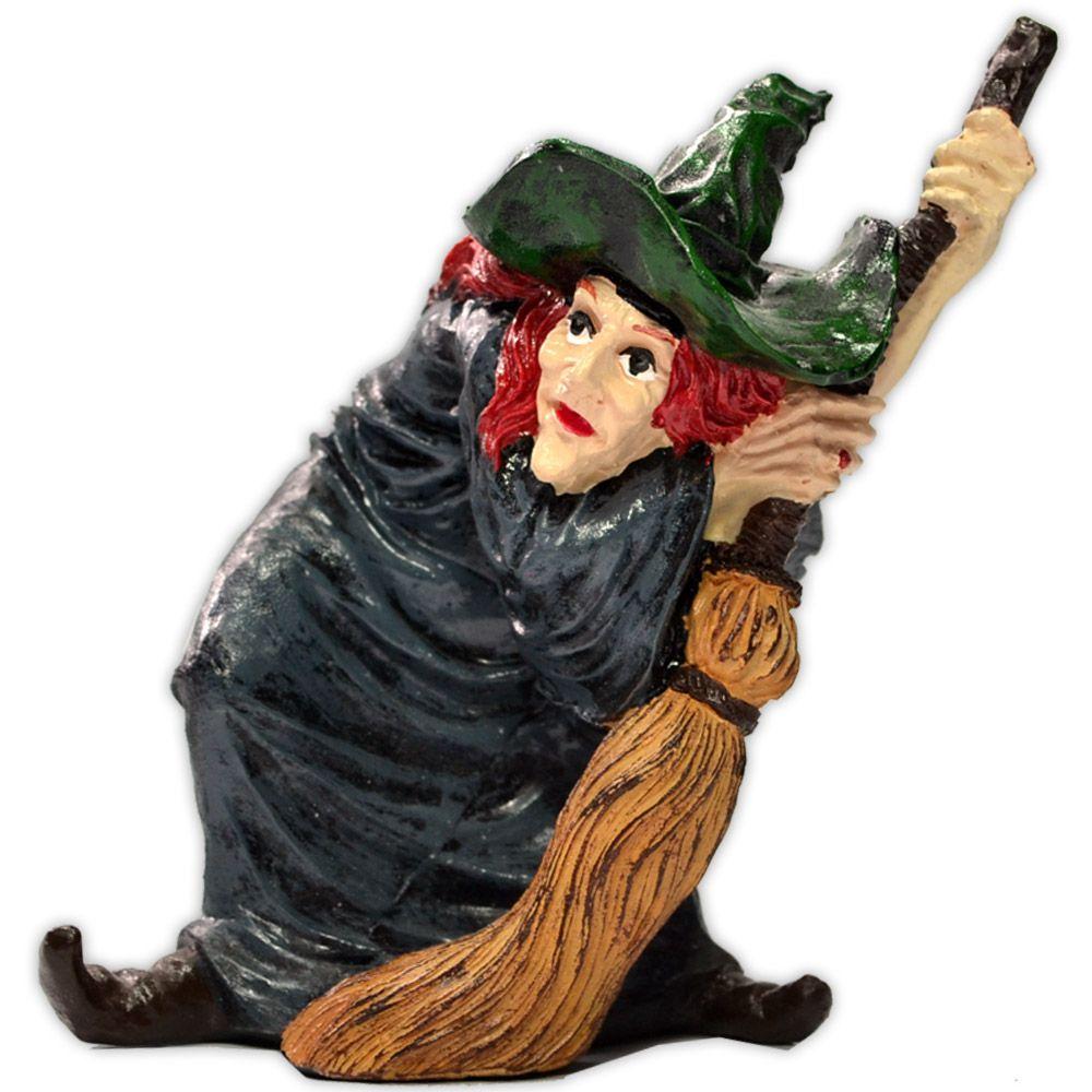 Bruxa com Vassoura