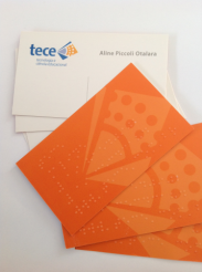 900 unidades - Cartão de visitas em tinta e braille verniz