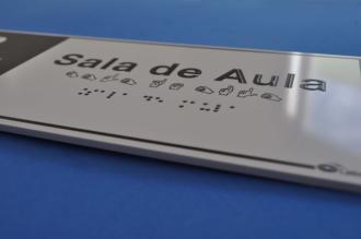 Placa de sinalização - SALA DE AULA