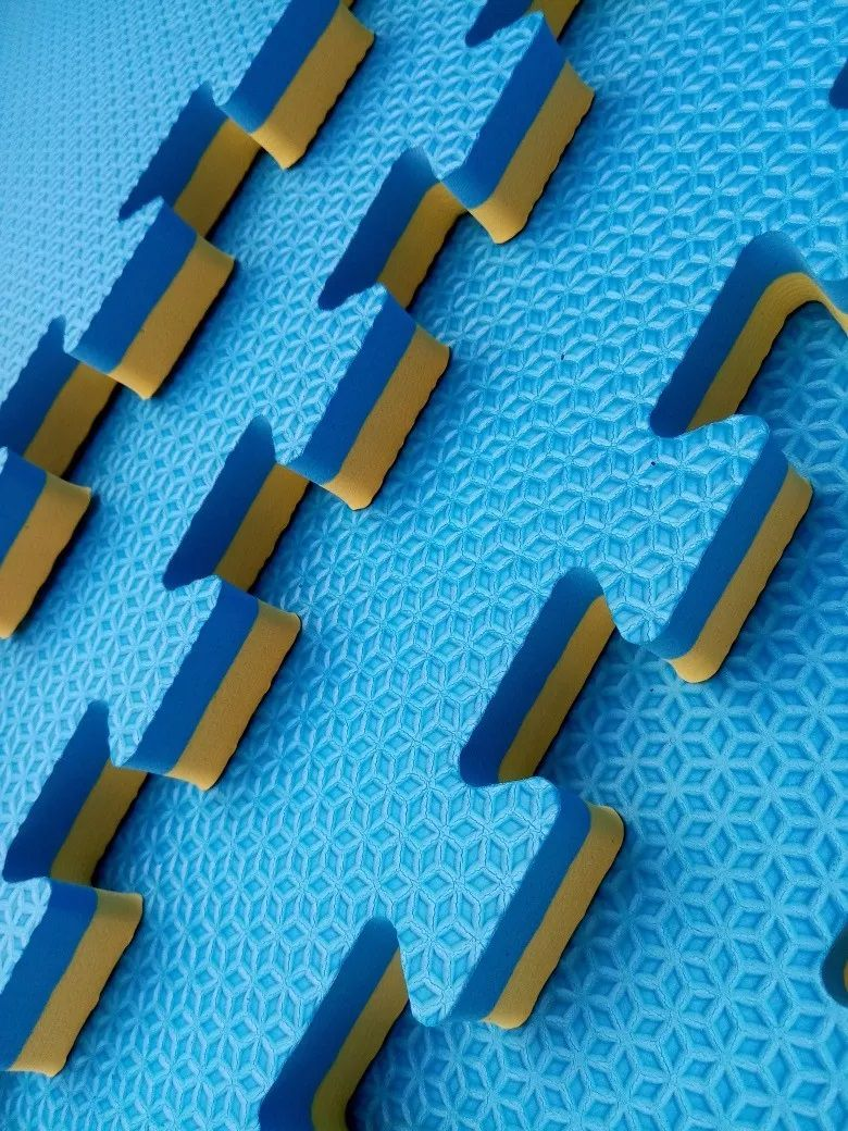 Kit com 6 Tatames Dupla Face Azul com Amarelo 50x50x2cm