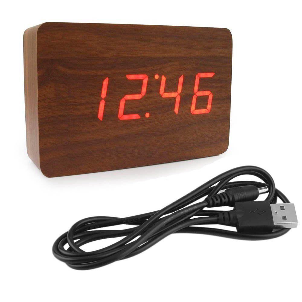 relógio digital em madeira com temperatura e alarme marrom