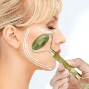 Massageador Facial Pedra Jade Rolo Massoterapia Anti Estresse e Anti Rugas