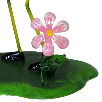 Boneco de Ferro Abelha com Balde de Flor Para Enfeite e Decoraçao Jardim e Flores