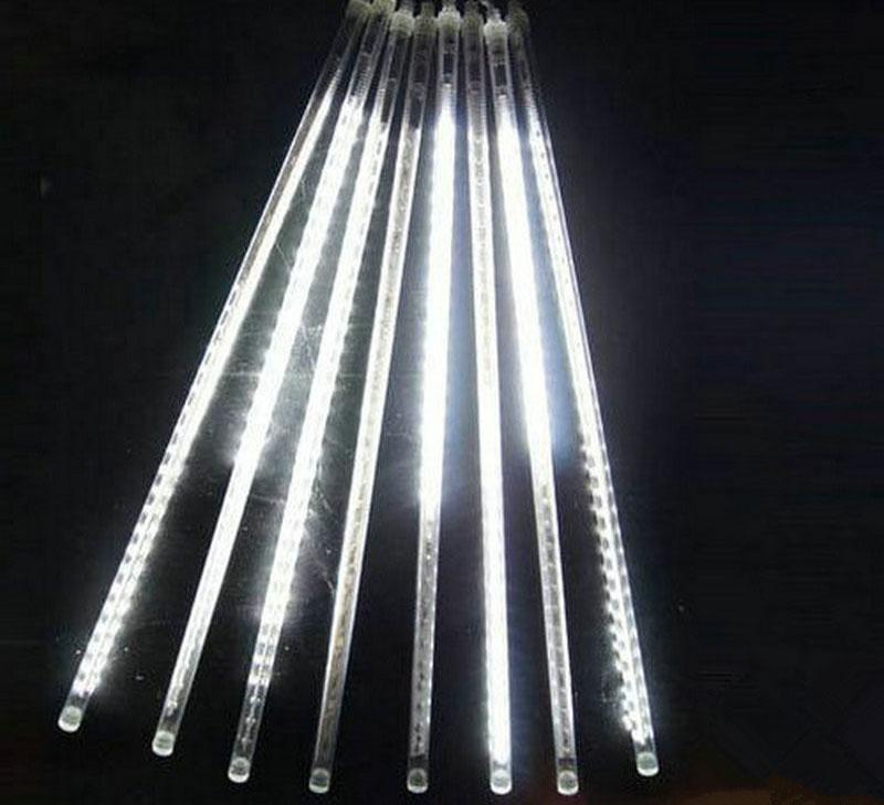Cascata Chuva de Gelo 8 Tubos 240 LEDs SnowFall Pisca Pisca Natal Branco (NTN2308X127V)