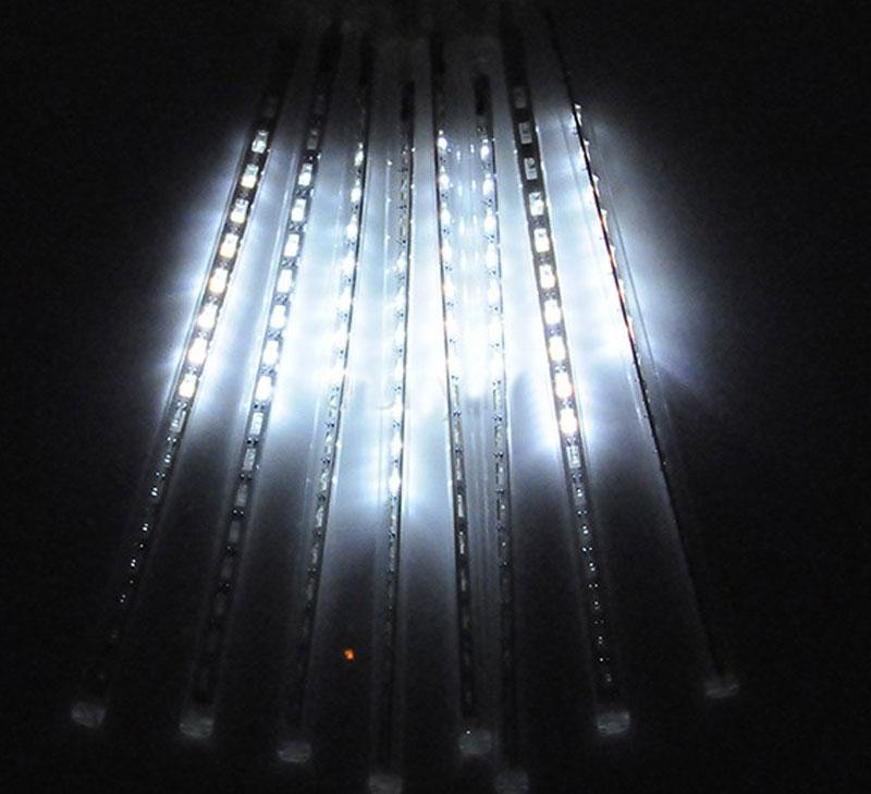 Cascata Chuva de Gelo 8 Tubos 96 LEDs SnowFall Pisca Pisca Natal Branco (NTN2128X127V)