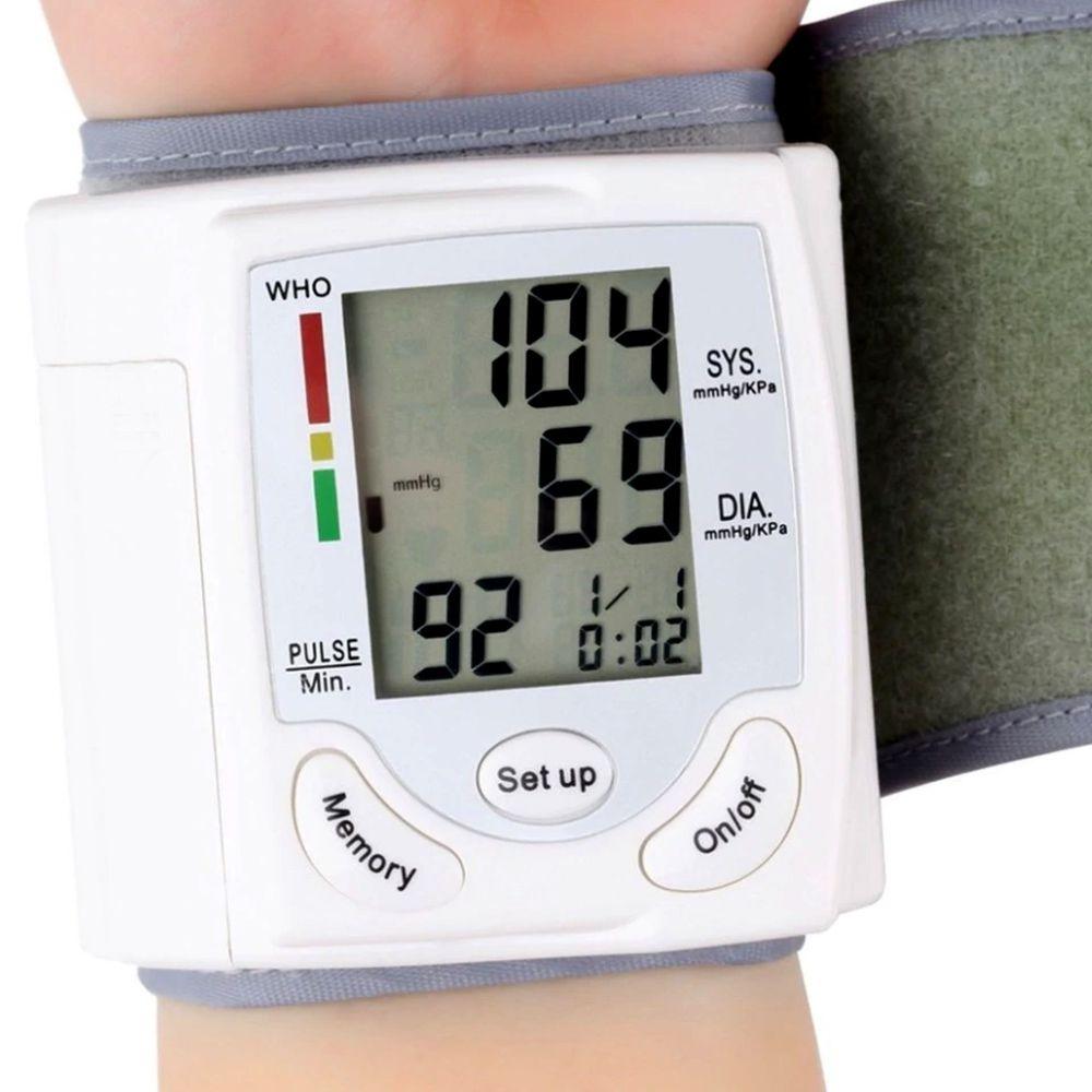 Medidor de Pressao Digital Arterial Cardiaco Pulso Braço Pilha Portatil