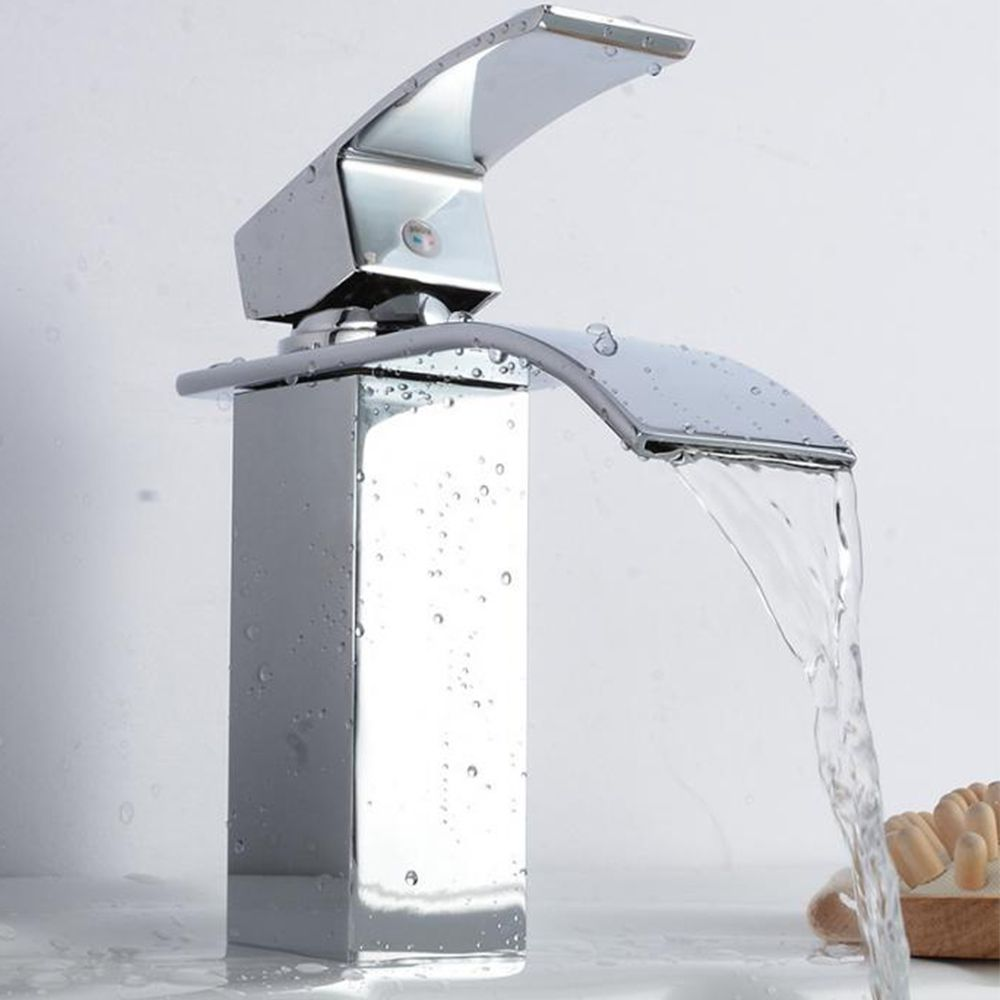 Torneira Banheiro Cascata Monocomando Quadrada Agua Quente e Fria Misturador