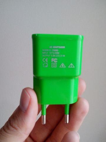 Carregador de Tomada para Celulares 5v 2.1A Multilaser