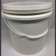 Balde plástico branco ou preto com tampa 16 litros - 10 Unidades