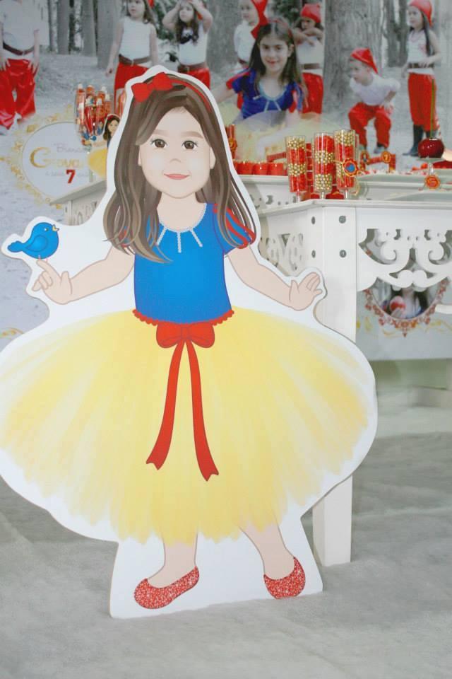 Display de chão com ilustração