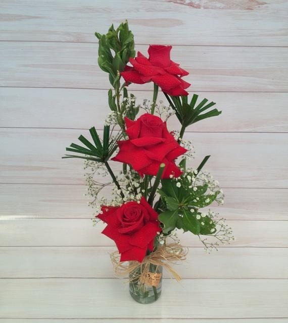 Arranjo 3 rosas colombianas no cachepô