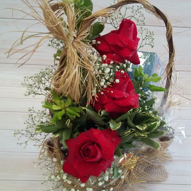 Arranjo Delicias com rosas