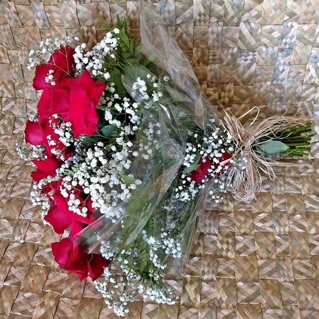 Buquê 12 rosas colombianas vermelhas