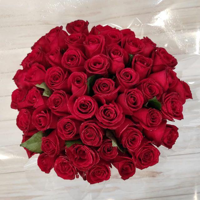 Buquê 60 rosas carolas