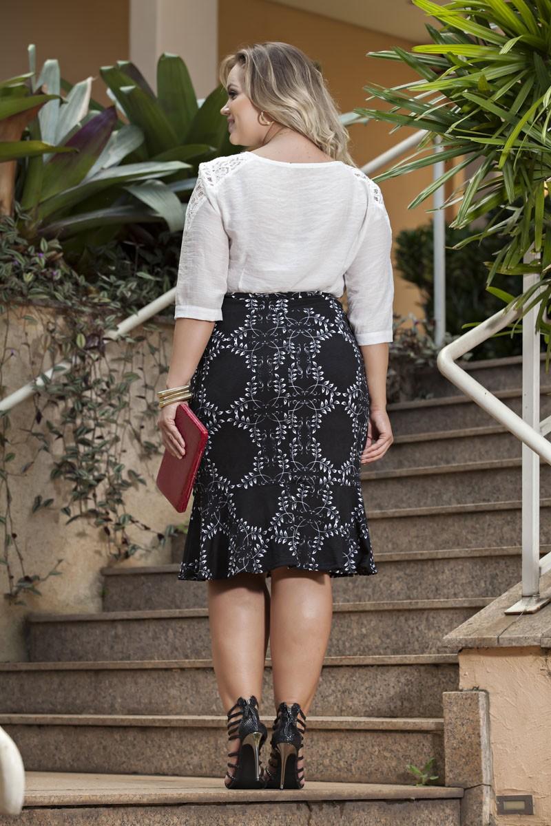 1966- Conj: Plus size saia sino e blusa capri decote bordado