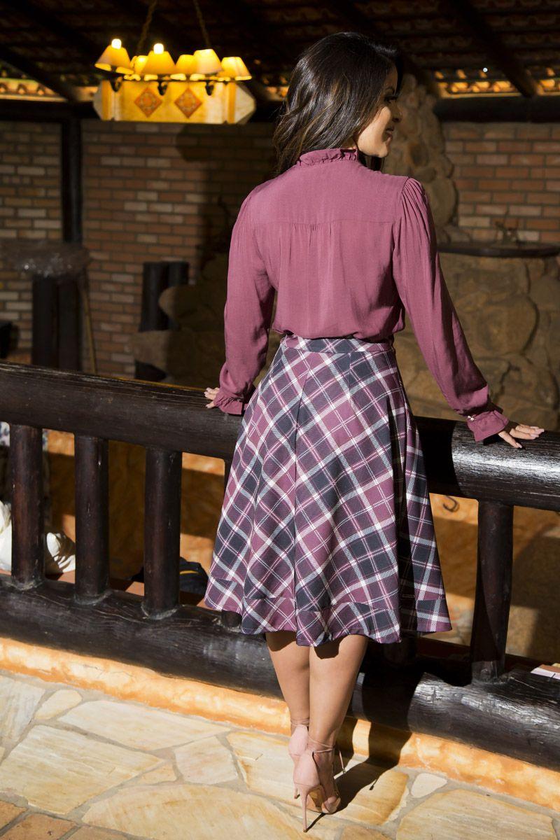 2175- Conj: camisa em viscose det. botoes e saia em sarja estampada c/ forro det.botoes