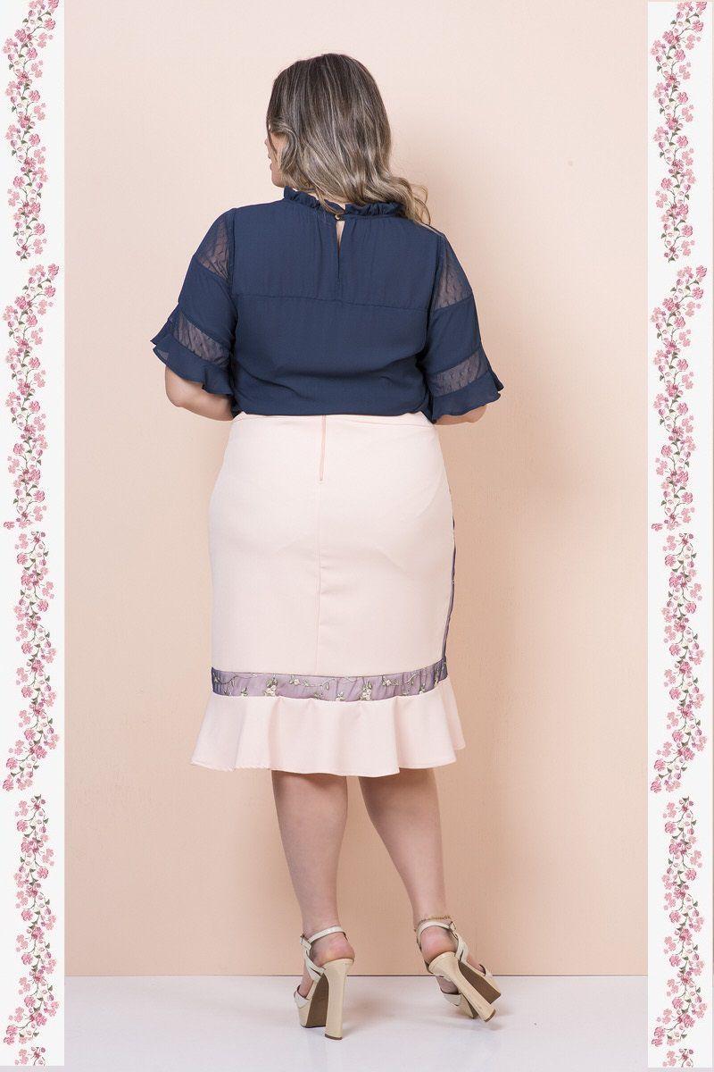 2355- Conjunto plus size saia e blusa com detalhes de renda bordada