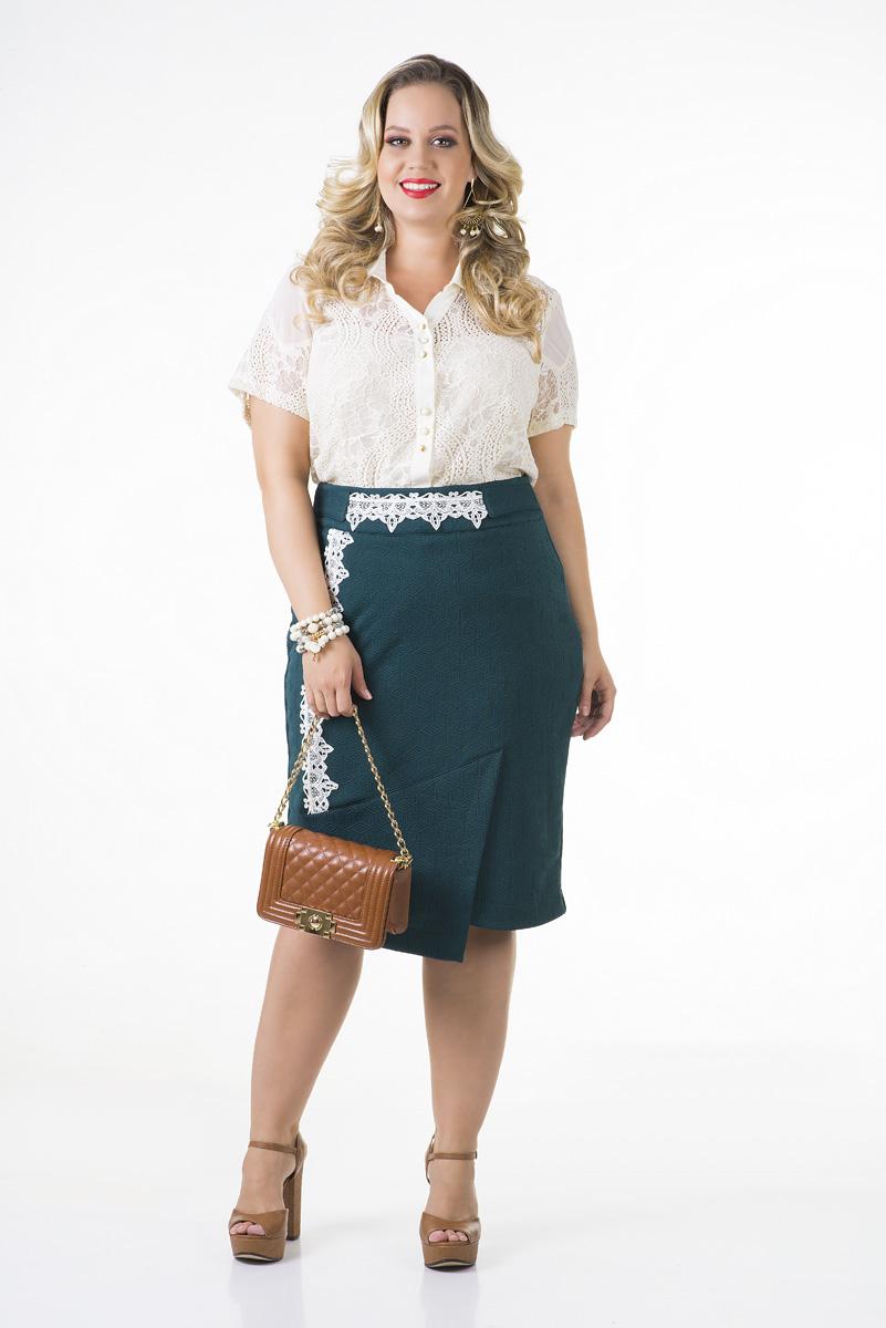 1679-Conjunto plus size saia em malha jacquard e camisa renda forrada