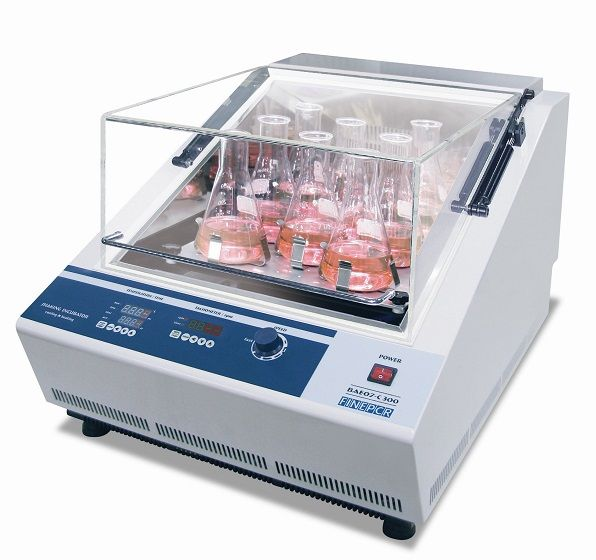AGITADOR COM INCUBAÇÃO ATÉ 65°C, VELOCIDADE AGITAÇÃO ATÉ 300 RPM, MOVIMENTO ORBITAL E 3D, FRASCOS 100/250 ML - MODELO BAE07-C300