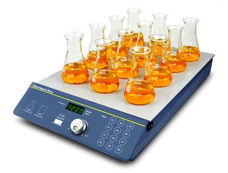 AGITADOR MAGNÉTICO DIGITAL MULTIPOSIÇÕES SEM AQUECIMENTO COM CAPACIDADE PARA AGITAR ATÉ 12X400ML (H2O) RECIPIENTES, VELOCIDADE REGULÁVEL DE 200 A 1.200 RPM