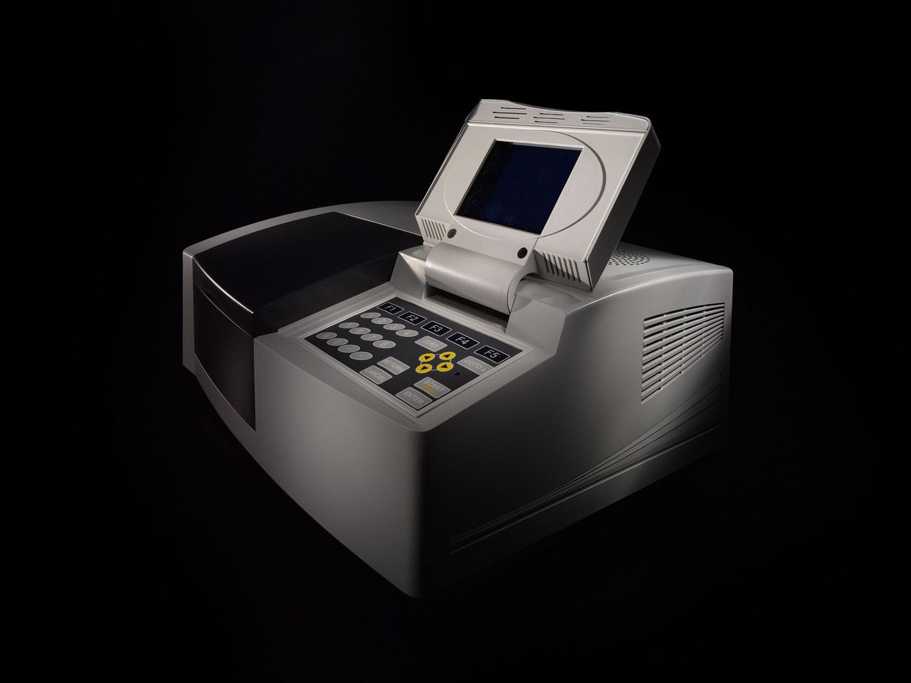 Espectrofotômetro UV-VIS automático, mono feixe,com visor gráfico, comprimento de onda de 190 a 1100 nm, banda variável de 0,5/1,0/2,0/5,0. Modelo T7S