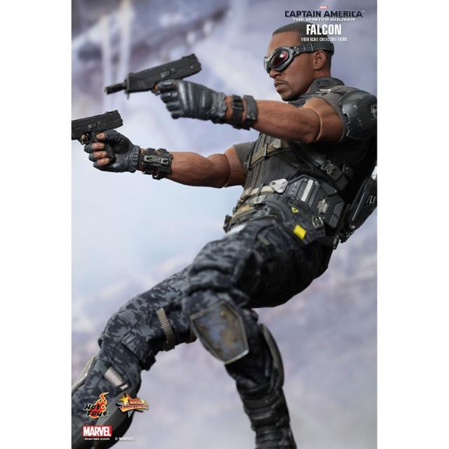 Capit�o Am�rica: The Winter Soldier - Falcon Escala 1/6 - Hot Toys