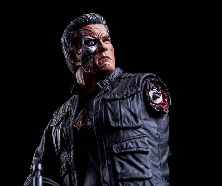 Terminator Genisys Pops T-800 Vers�o 2017 - Neca