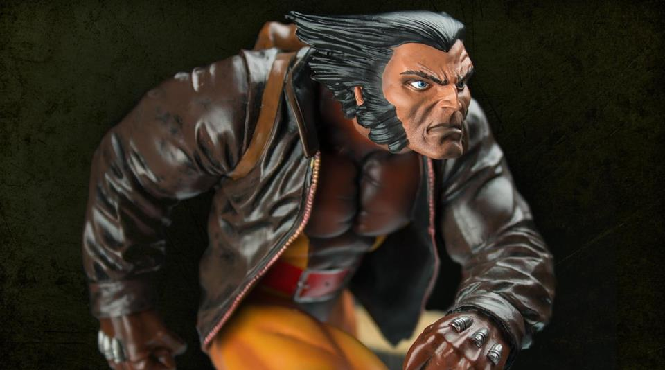 Wolverine In Snow Marvel Premiere Collection Est�tua - Diamond Select