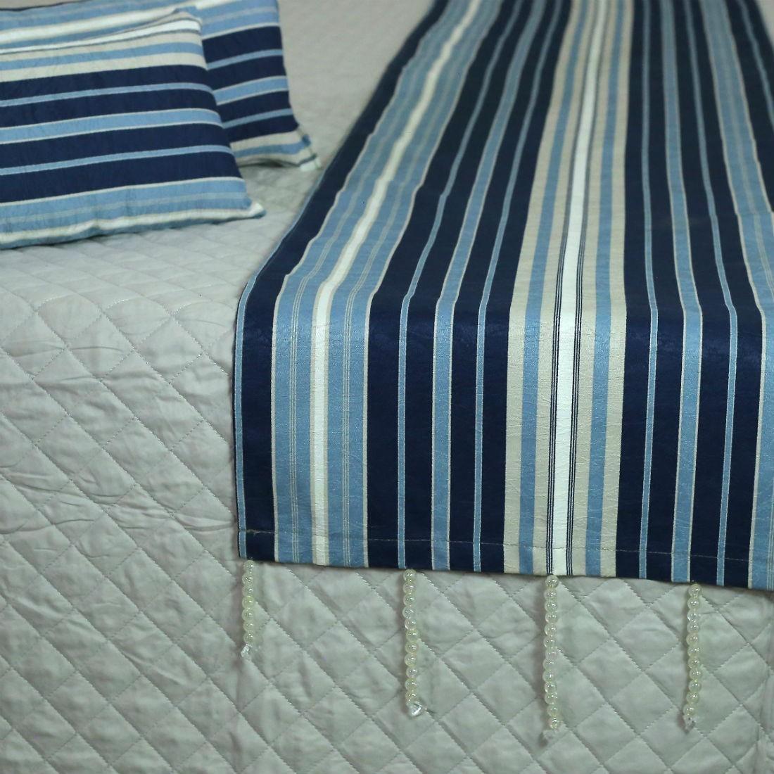 Conjunto de Passadeira com Almofadas Listrado Azul Cama King